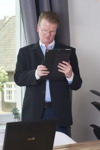 Michael Kleina Digital Sichtbar 2018 Mitarbeiter 200x300 - Der digitale Mitarbeiter als wichtiger Marketingfaktor